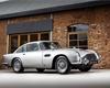 Chcete originální Aston Martin z bondovky? Jeden je teď na prodej, vyjde draho