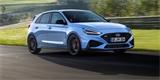 Hyundai i30 N má po faceliftu. Hot-hatch z Česka posílil a pod volant přidal pádla