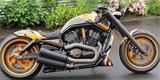 Chcete Lamborghini na dvou kolech? Tento Harley-Davidson krásně uctil Murciélago