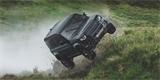 Land Rover Defender je možná nejlepší auto na světě. Jinak by nezvládl tohle