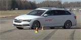 Škoda Superb iV propadla v losím testu. VW Passat GTE si nevedl o moc lépe