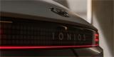 Sériový Ioniq 5 se ukázal v dramatickém videu. Svět je připraven, říkají herci