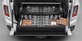 Rolls-Royce Cullinan v rekreační úpravě: Bude pojízdným barem i úložnou zbraní