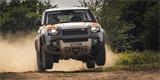 Land Rover Defender míří do rallye. Úpravce Bowler z něj udělal závodní bestii