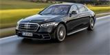Mercedes-Benz třídy S do zásuvky zná české ceny. Přibyla ale i plnotučná V8