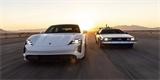 Porsche slaví nabíjecí výkon 1,21 GW odkazem na Návrat do budoucnosti. DeLorean nechybí