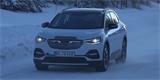 Nový Volkswagen ID.4 se maskuje za Opel. Jeho design už ale nikoho nepřekvapí