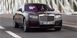 První jízda s novým Rolls-Roycem Ghost Extended: Vezl nás nejlepší řidič světa!