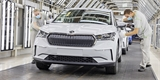 Škoda Enyaq iV se už oficiálně vyrábí. Na lince není sama, hlídá ji i termokamera