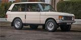Britský prodejce Range Roverů vyzrál na nízkoemisní zóny. Prodává nové veterány