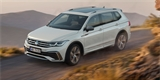 VW Tiguan Allspace prošel modernizací. Na zásuvku kašle, radši potěší vaše uši