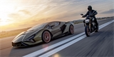 Lamborghini Sián dostalo kamaráda. Speciální Ducati Divael 1260 S vypadá skvěle!
