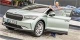 Základní Škoda Enyaq iV v Česku téměř nikoho nezajímá. Češi berou to nejlepší