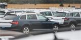 Škoda Auto a její pusté továrny: Nouze o čipy vytvořila scény jako při lockdownu