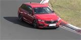 Škoda Octavia RS si v Německu sáhla až na dno. Místy to vypadalo, že vyletí z trati