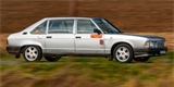 Tato Tatra T 613-4 Long vozila papaláše z Úřadu vlády. Moc luxusu si tehdy neužili