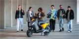 Piaggio představuje elektrický skútr One. Cílí na mladé a bude k mání ve dvou verzích