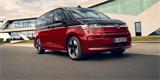Nový VW Multivan má první českou cenu. Řada zájemců s nákupem ještě asi počká