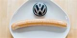 Automobilka, nebo uzenářství? Podívejte se, jak VW vyrábí své legendární párky