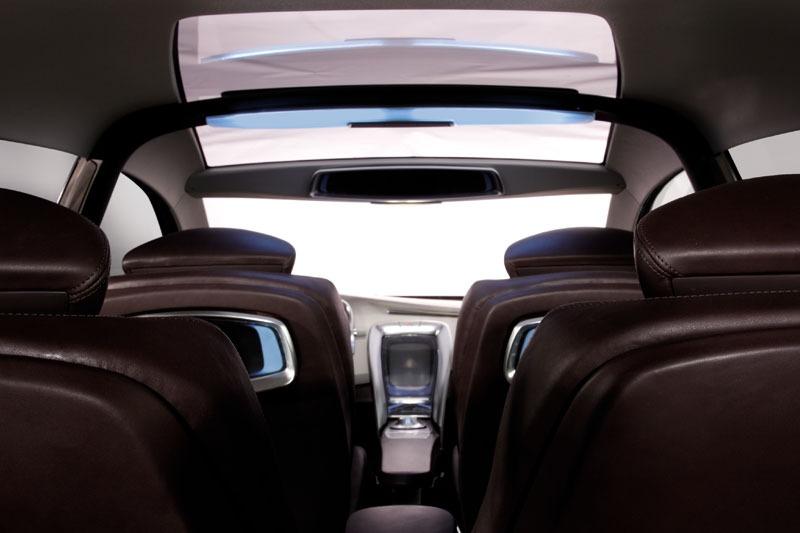 Hyundai Genus, sportovní crossover s příchutí nafty – AutoRevue.cz