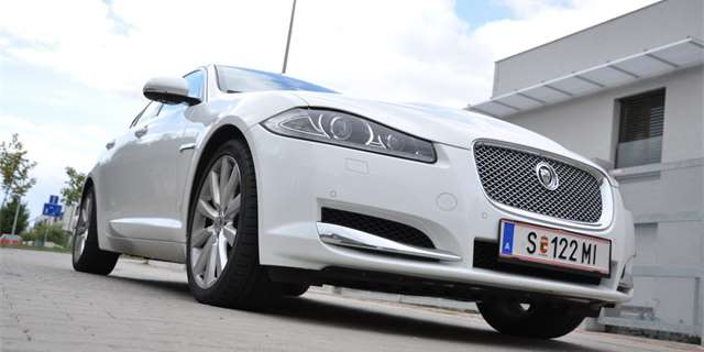 Test: Jaguar XF 2.2D – ve stopách XJ