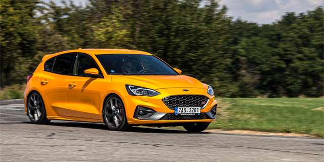 TEST Ford Focus ST Plus Performance: