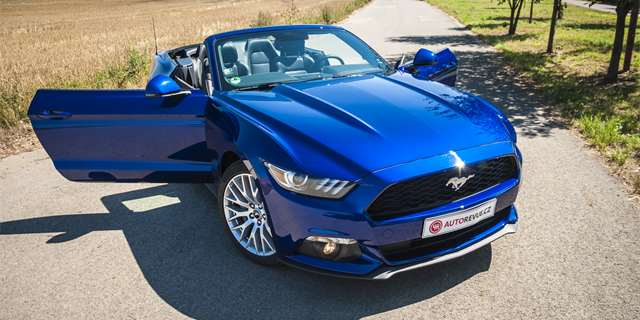 "Test Ford Mustang 2.3 EcoBoost Convertible: Velmi stylové ""Mondeo"""