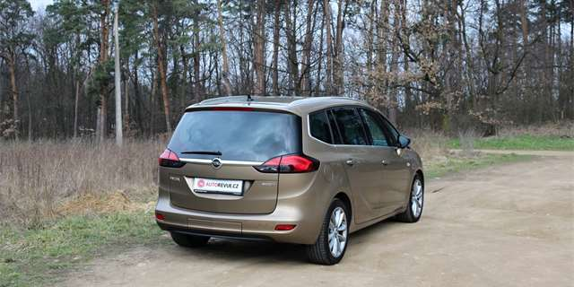 Test Opel Zafira Tourer 16 Cdti Hbit Mikrobus S Erstvm Srdcem