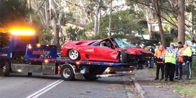 Řidič se v šoku o incidentu konkrétně nevyjadřoval. Vyproštění vozu z křovin trvalo úmornou hodinu. Podle australskételevize zaplatil majitel chvíli před nehodouza vůz částku půl milionu australskýc...