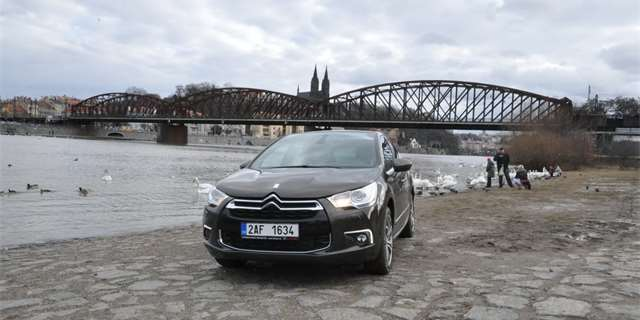 Test: Citroën DS4 1.6 THP - kam až..?