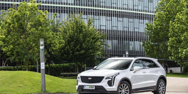 | TEST Cadillac XT4 2.0 Turbo AWD