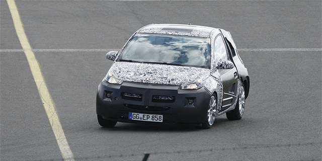 Opel Junior poprvé nafocen (spy photos)