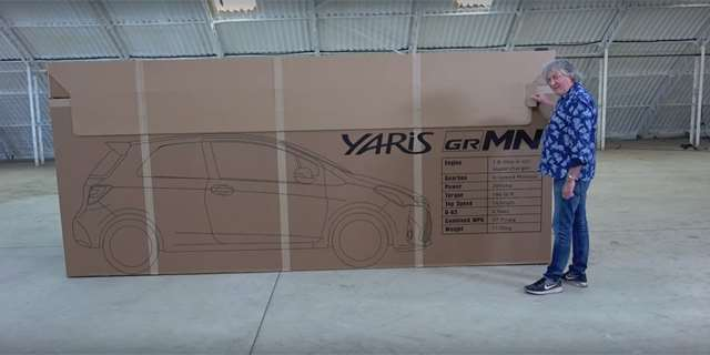 "James May a jeho ""unboxing"" Toyoty Yaris GRMN"