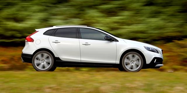 volvo v40 cross country t5 awd pohon 4x4 pro drive e a ni v kon. Black Bedroom Furniture Sets. Home Design Ideas