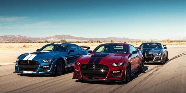 Co mají společného Ford Mustang Shelby GT500 a Chevrolet Corvette  –  AutoRevue.cz e8be8f8e1c