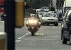 Předjíždění kolony na motorce: Expert radí, jak to dělat co nejbezpečněji