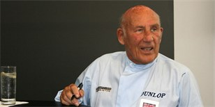 Sir Stirling Moss, legenda F1, oficiálně odešel do důchodu. Ve věku 88 let! | Zdroj: ian mcwilliams (CHAFFORD HUNDRED)