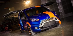 Ford Transit Connect Hot Wheels ve stylu Ford Focus RS