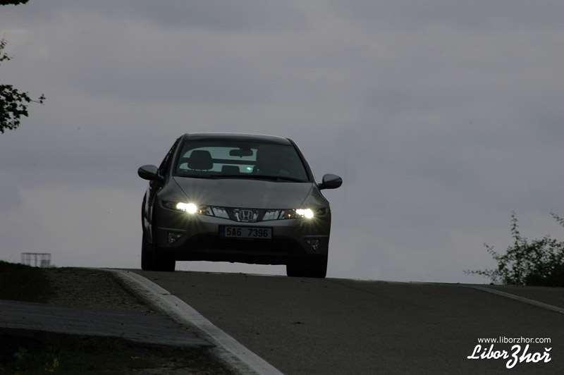 Galerie - Honda Civic 2,2 i-CTDi: naftové ufo (test), foto